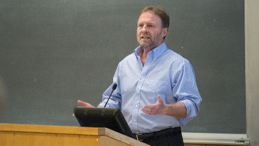 Professor Staiger lectures in an economics class